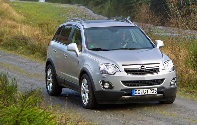 test drive opel antara 2 2 cdti awd resuscitare reu it automarket. Black Bedroom Furniture Sets. Home Design Ideas
