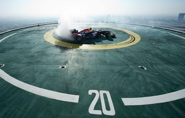 """Red Bull a sărbătorit titlurile cu """"cerculeţe"""" pe helipadul clăirii Burj Al Arab din Dubai - Poza 4"""