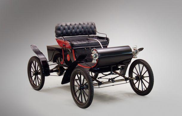 POVEŞTI AUTO: Oldsmobile Curved Dash Runabout - primul automobil de serie din lume - Poza 1
