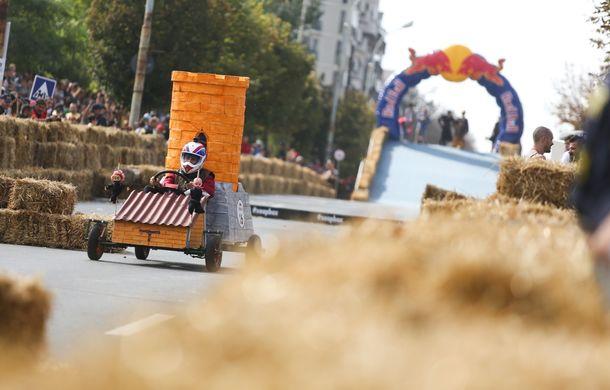 Red Bull Soapbox Race 2014: 51 de echipaje trăznite au luat startul în cursa automobilelor propulsate de gravitaţie - Poza 32