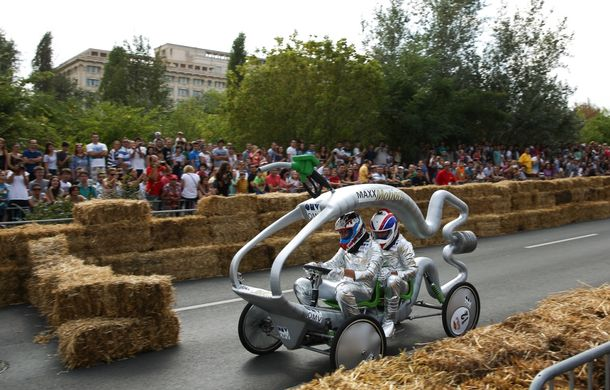Red Bull Soapbox Race 2014: 51 de echipaje trăznite au luat startul în cursa automobilelor propulsate de gravitaţie - Poza 14