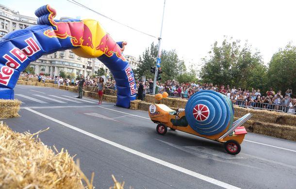 Red Bull Soapbox Race 2014: 51 de echipaje trăznite au luat startul în cursa automobilelor propulsate de gravitaţie - Poza 26