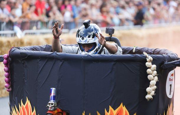 Red Bull Soapbox Race 2014: 51 de echipaje trăznite au luat startul în cursa automobilelor propulsate de gravitaţie - Poza 17