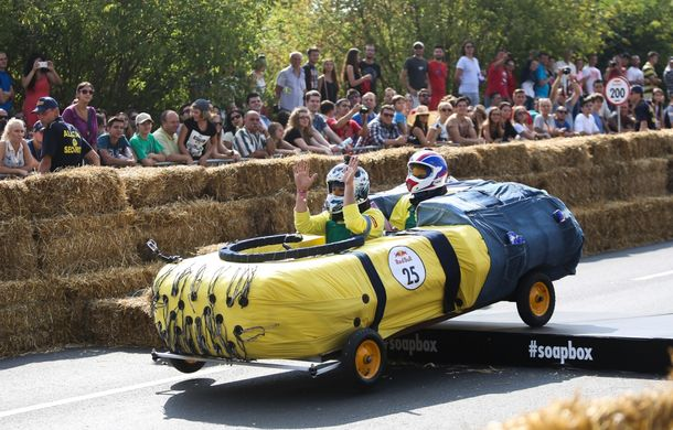 Red Bull Soapbox Race 2014: 51 de echipaje trăznite au luat startul în cursa automobilelor propulsate de gravitaţie - Poza 31