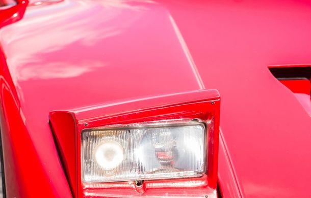 Un Ferrari F40 aparţinând lui Nigel Mansell s-a vândut pentru aproape 700.000 de euro - Poza 6
