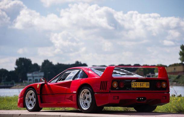 Un Ferrari F40 aparţinând lui Nigel Mansell s-a vândut pentru aproape 700.000 de euro - Poza 2
