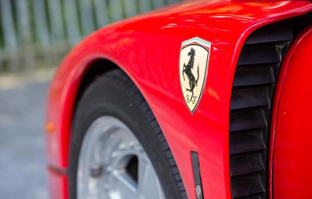 Un Ferrari F40 aparţinând lui Nigel Mansell s-a vândut pentru aproape 700.000 de euro - Poza 7