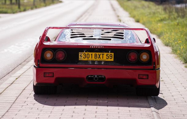 Un Ferrari F40 aparţinând lui Nigel Mansell s-a vândut pentru aproape 700.000 de euro - Poza 4