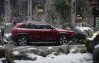 Jeep a creat un râu de munte în milocul orașului Vancouver pentru o provocare off-road cu noul Cherokee