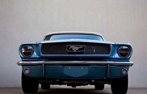 Prima generaţie a lui Ford Mustang reintră în producţie cu tehnologii moderne sub tutela unei alte companii - Poza 3