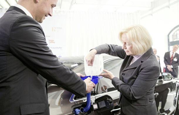 Audi a reuşit să producă motorină sintetică din apă şi dioxid de carbon - Poza 2