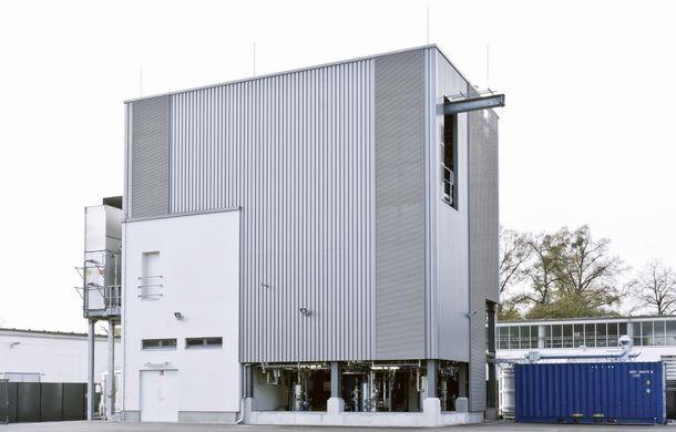 Audi a reuşit să producă motorină sintetică din apă şi dioxid de carbon - Poza 4