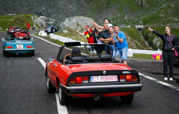 Alfa Fest, întrunirea anuală a pasionaților mărcii italiene, a adunat 100 de mașini pe Transfăgărșan - Poza 7