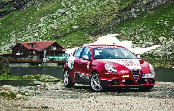 Alfa Fest, întrunirea anuală a pasionaților mărcii italiene, a adunat 100 de mașini pe Transfăgărșan - Poza 17