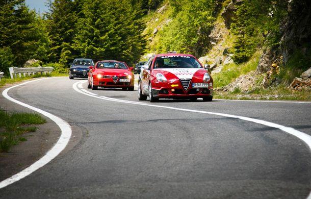 Alfa Fest, întrunirea anuală a pasionaților mărcii italiene, a adunat 100 de mașini pe Transfăgărșan - Poza 2