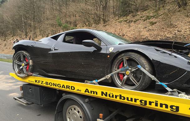 Proiect inedit: cu 4 euro îți poți pune poza în format 1x1 centimetri pe un Ferrari 458 Speciale pentru a ajuta la reparația acestuia - Poza 2