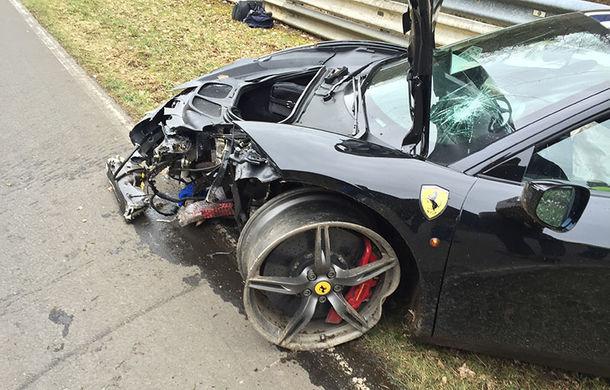 Proiect inedit: cu 4 euro îți poți pune poza în format 1x1 centimetri pe un Ferrari 458 Speciale pentru a ajuta la reparația acestuia - Poza 5