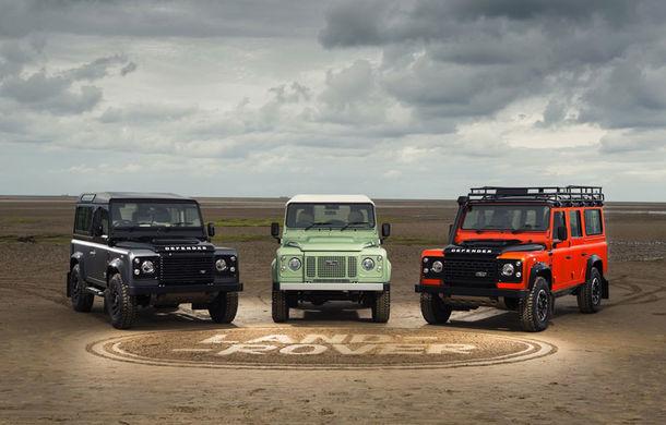 Land Rover prelungește agonia despărțirii de Defender: SUV-ul va mai fi produs și în 2016 - Poza 1