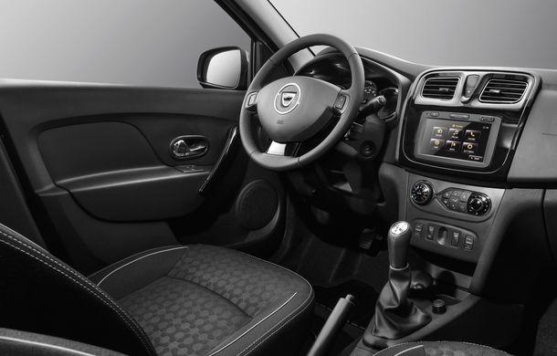 Dacia lansează Logan Prestige, noua echipare de top: climatizare automată, comenzi pe uși, jante de 16 inch și semnalizatoare pe oglinzi - Poza 7