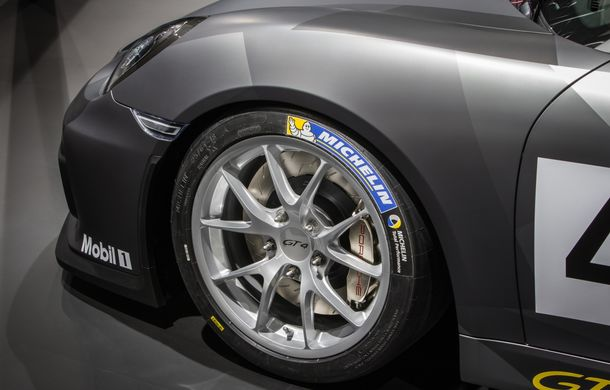 Porsche Cayman GT4 primește o variantă dedicată competițiilor: costă 111.000 de euro fără taxe - Poza 2