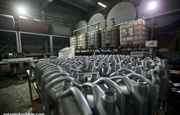 Se întâmplă în Mama Rusie. Fabrică de uleiuri auto contrafăcute cu o rețetă de vis: venituri de 13 milioane de euro pe lună - Poza 5