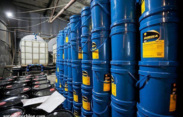 Se întâmplă în Mama Rusie. Fabrică de uleiuri auto contrafăcute cu o rețetă de vis: venituri de 13 milioane de euro pe lună - Poza 17