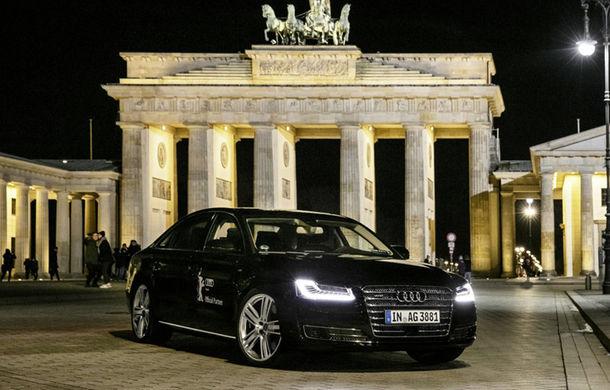 S-a scris istorie: un Audi A8 a transportat fără șofer un actor pe străzile din Berlin - Poza 1