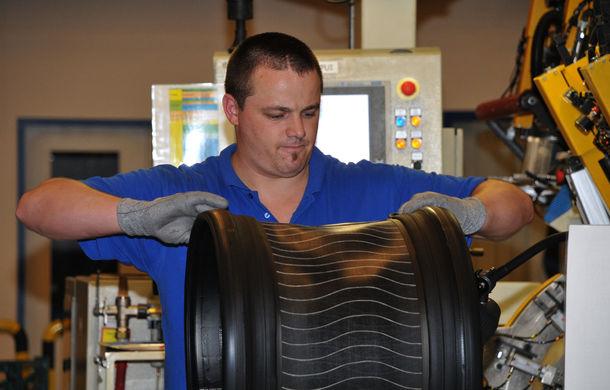 Michelin a lansat noua anvelopă Pilot Sport 4, produsă în Ungaria și instalată pe modelele BMW, Porsche, Volvo și Tesla - Poza 12