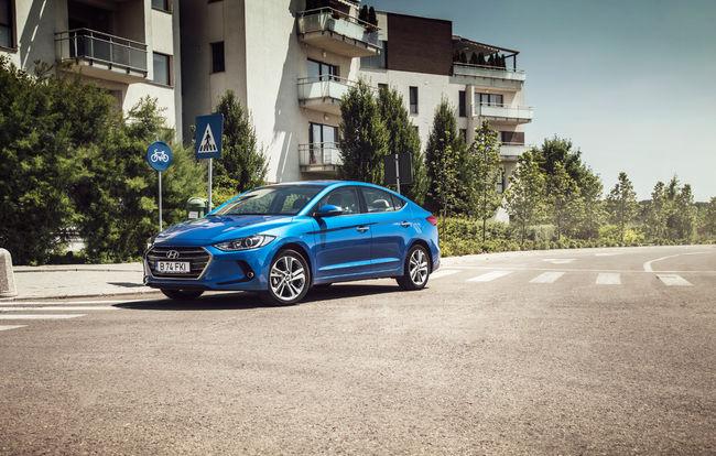 Test drive Hyundai Elantra