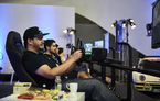 Record mondial: cinci gameri s-au jucat 48 de ore non stop pe simulatoarele auto