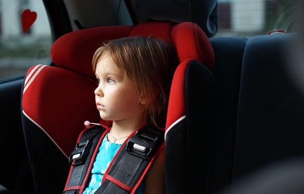 Tesla salvează copiii uitaţi în maşină: aerul condiţionat, pornit automat la 40 de grade pentru a evita sufocarea - Poza 1