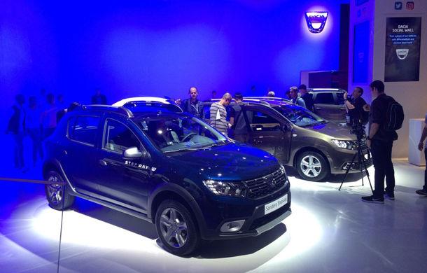 PARIS 2016 LIVE: Modelele Dacia au primit o față nouă, lumini LED și claxon pe volan - Poza 15