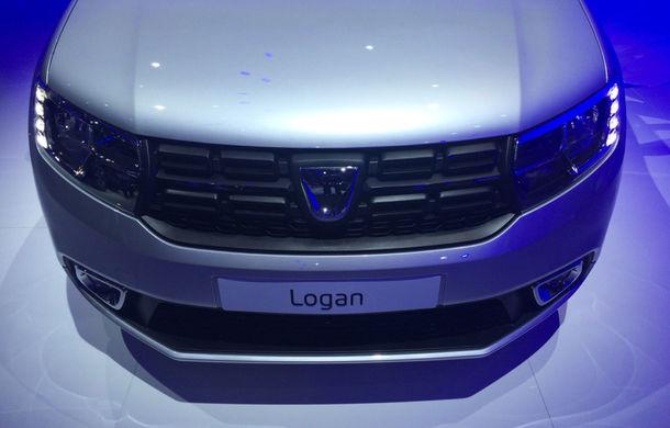 PARIS 2016 LIVE: Modelele Dacia au primit o față nouă, lumini LED și claxon pe volan - Poza 11