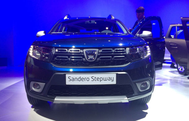 PARIS 2016 LIVE: Modelele Dacia au primit o față nouă, lumini LED și claxon pe volan - Poza 5