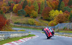 Record mondial: un chinez a parcurs întreg circuitul de la Nurburgring doar pe două roți, la volanul unui Mini