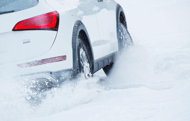 Anvelope de iarnă sau all-season? Testul comparativ de frânare pe zăpadă arată superioritatea celor de iarnă - Poza 1