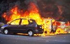 Încă un revelion cu probleme în Franța: 650 de mașini au fost incendiate în noaptea dintre ani