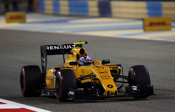 Renault rămâne fără şef de echipă înaintea sezonului 2017: Frederic Vasseur a demisionat şi nu va avea înlocuitor - Poza 1