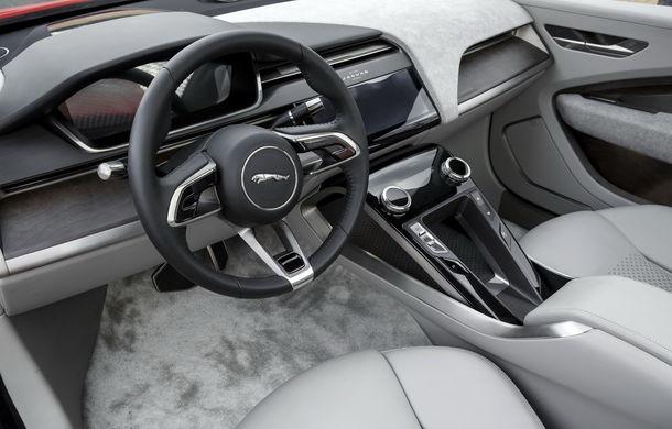 Jaguar aduce tehnologia sa electrică în stradă: SUV-ul I-Pace s-a plimbat prin Londra pentru a promova rularea cu zero emisii - Poza 6