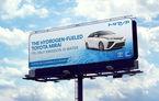 Toyota a inventat panoul publicitar minune: curăță aerul de oxizii de azot rezultați din gazele de eșapament