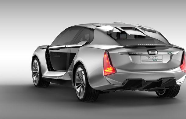 Ce se naște când amesteci designul chinezesc cu tehnologia suedeză: Qoros K-EV este un concept cu uși care se deschid ciudat, dar cu 870 de cai oferiți de Koenigsegg - Poza 4