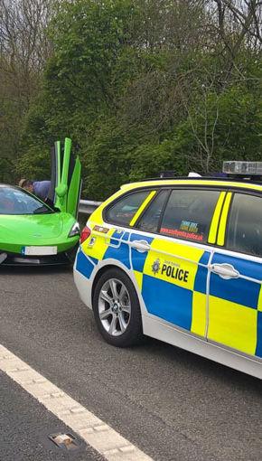 Polițiștii englezi nu iartă cursele ilegale. …