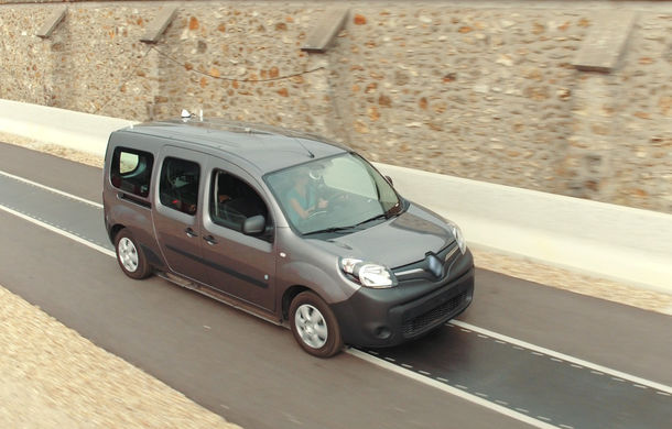 Soluție inedită pentru mașinile electrice: încărcarea wireless a bateriei în timpul mersului - Poza 1