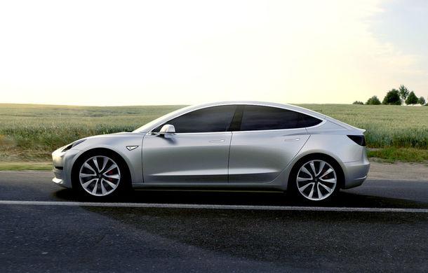 Primele detalii tehnice despre Tesla Model 3: autonomie de 350 de kilometri, 5.6 secunde pentru 0-96 km/h și ecran de 15 inch - Poza 1