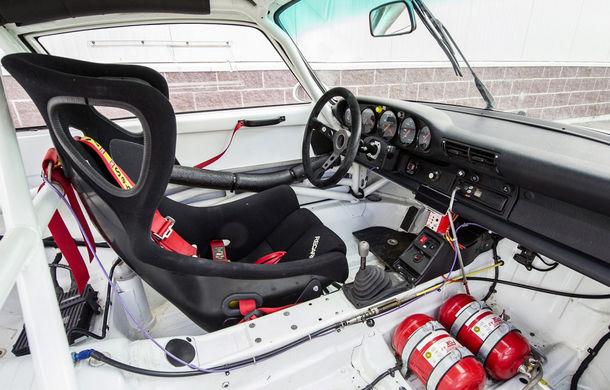 Rar și scump: un Porsche 911 GT2 Evo s-a vândut cu 1.3 milioane de euro - Poza 10
