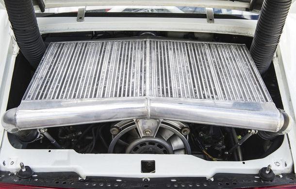 Rar și scump: un Porsche 911 GT2 Evo s-a vândut cu 1.3 milioane de euro - Poza 7