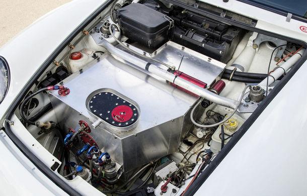 Rar și scump: un Porsche 911 GT2 Evo s-a vândut cu 1.3 milioane de euro - Poza 8
