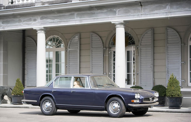 Comoara descoperită în castelul elvețian s-a vândut: toate cele 12 mașini clasice au adunat două milioane de euro - Poza 12