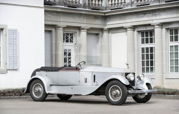 Comoara descoperită în castelul elvețian s-a vândut: toate cele 12 mașini clasice au adunat două milioane de euro - Poza 17