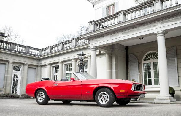 Comoara descoperită în castelul elvețian s-a vândut: toate cele 12 mașini clasice au adunat două milioane de euro - Poza 4